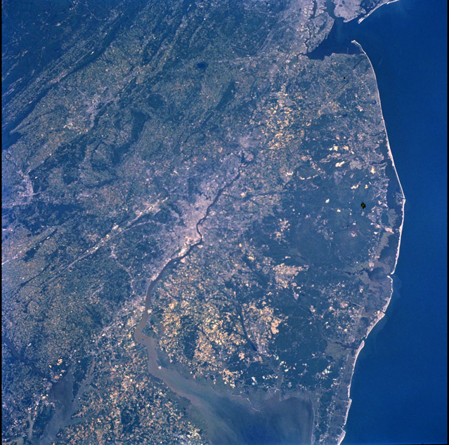 ISS002-708-31. Primarily Pennsylvania and New Jersey with Northern Delaware and Northern Maryland. Image courtesy of the Image Science & Analysis Laboratory, NASA Johnson Space Center.