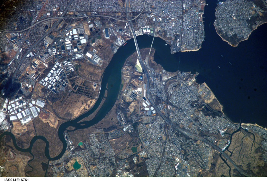 ISS014-E-16761. Raritan River, Raritan Bay, and Arthur Kill. New Jersey: Sayreville (with Morgan), Laurence Harbor, Madison Park, South Amboy, Perth Amboy, Woodbridge, Fords, and Staten Island, New York. Image courtesy of the Image Science & Analysis Laboratory, NASA Johnson Space Center.