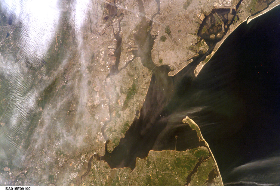 ISS015-E-9190. Raritan Bay with the 2.9 Mile Long Trident Shaped Pier at Naval Weapons Station Earle. Image courtesy of the Image Science & Analysis Laboratory, NASA Johnson Space Center.