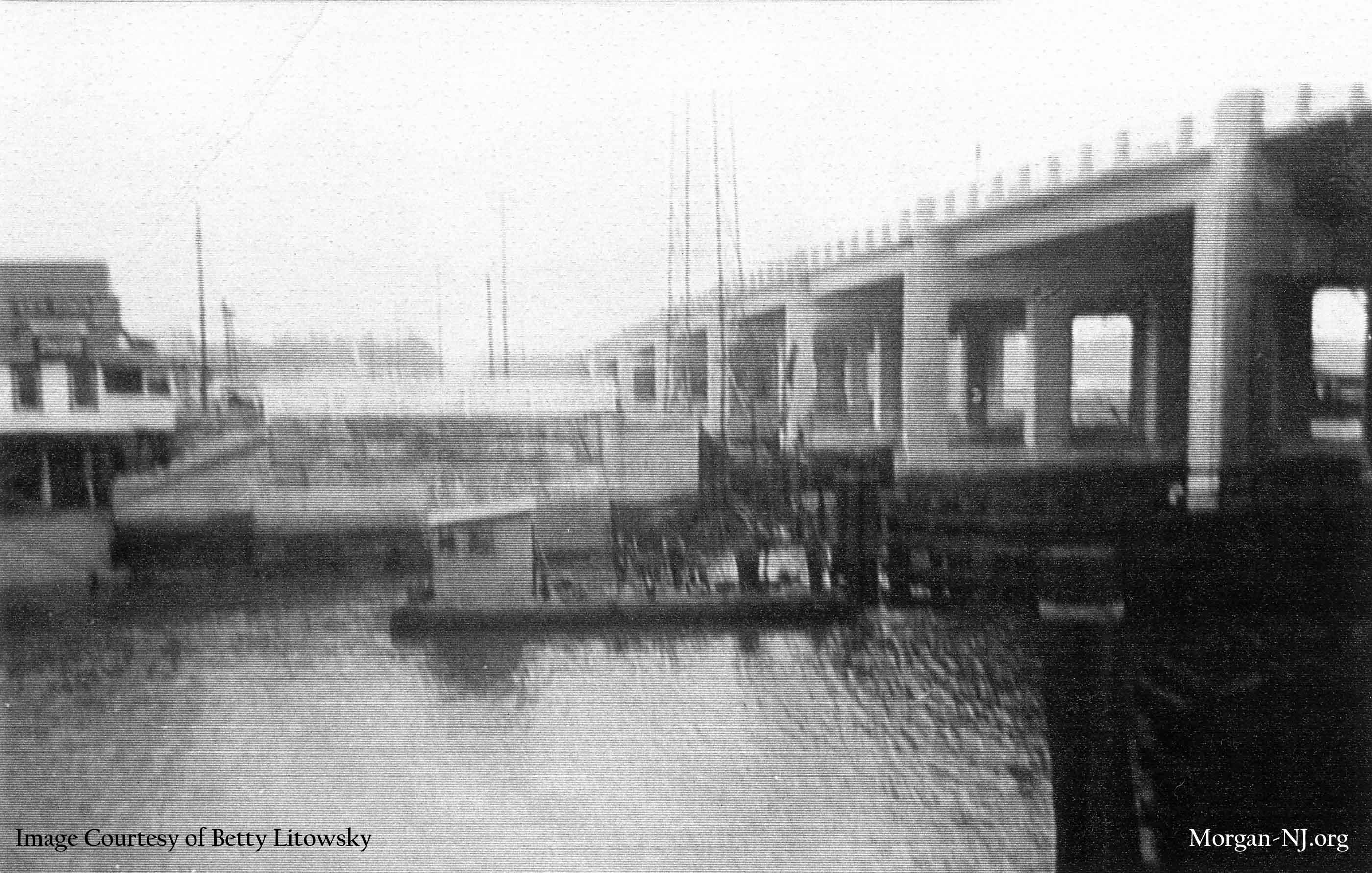 Looking Toward Morgan Beach from Robert E. Lee Inn in the 1940's sometime after 1943. Kaiser's Tavern on the left, old Route 35 in the center, new (and current) Route 35 Morgan Bridge on the right. Image courtesy of Betty Macrae Litowsky.